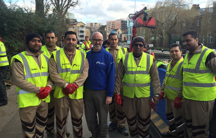 DSS Volunteers clean Canal in uk