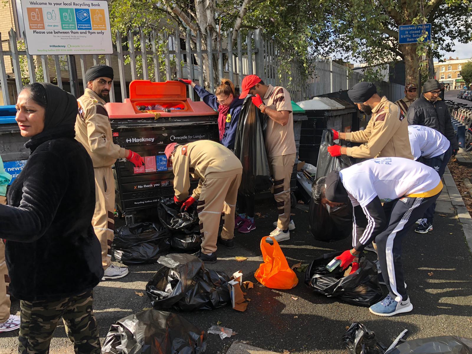 Sadh Sangat runs a public cleaning campaign in UK